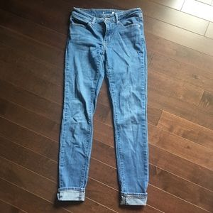 levi's skinny jeans in light denim wash